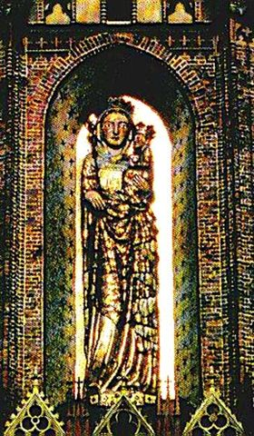 Fig. #C2c(bottom): An old photo of the entire 8 meters tall stucco statue of Virgin Mary from the Malbork Castle.
